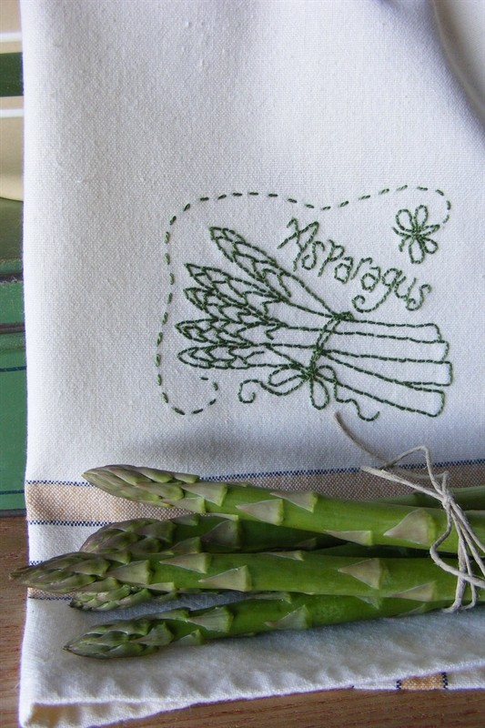 0001451_freebie-fruit-veggie-towels-asparagus
