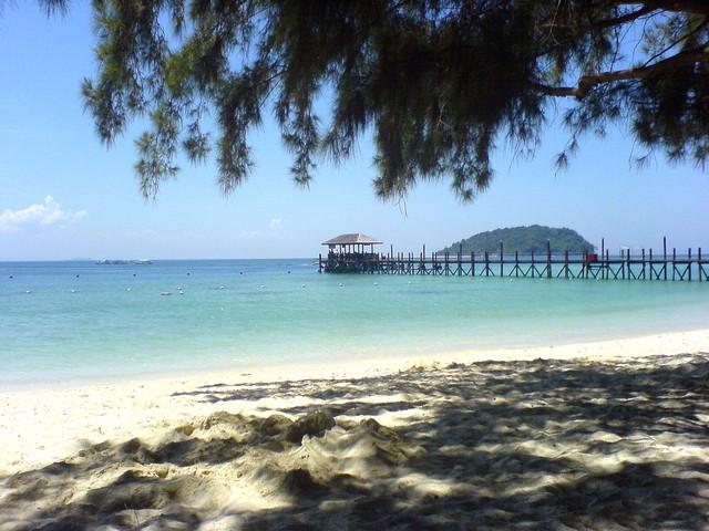beach-1220936-640x480