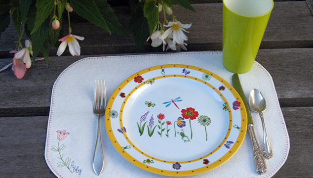 Quick and Easy Vinyl Placemat – Tutorial