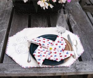 4th of july napkins and place mats using sulky blendables thread