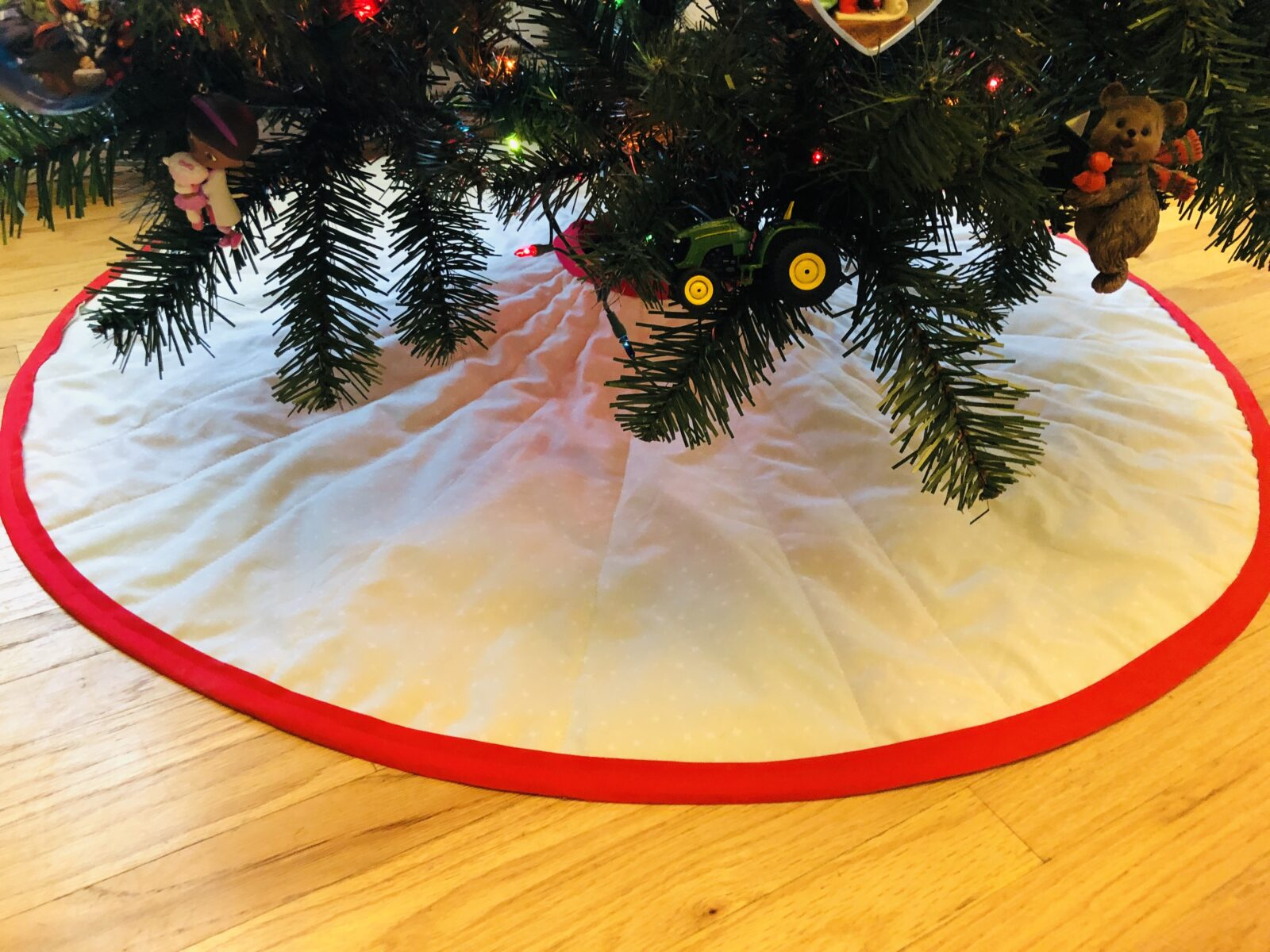 Tree Skirt right & wrong side