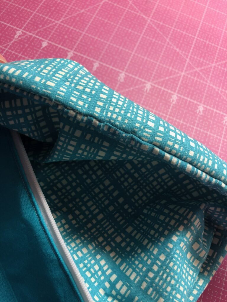 zipper pouch finishing
