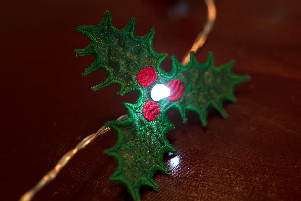 free emboridery design for holly string lights